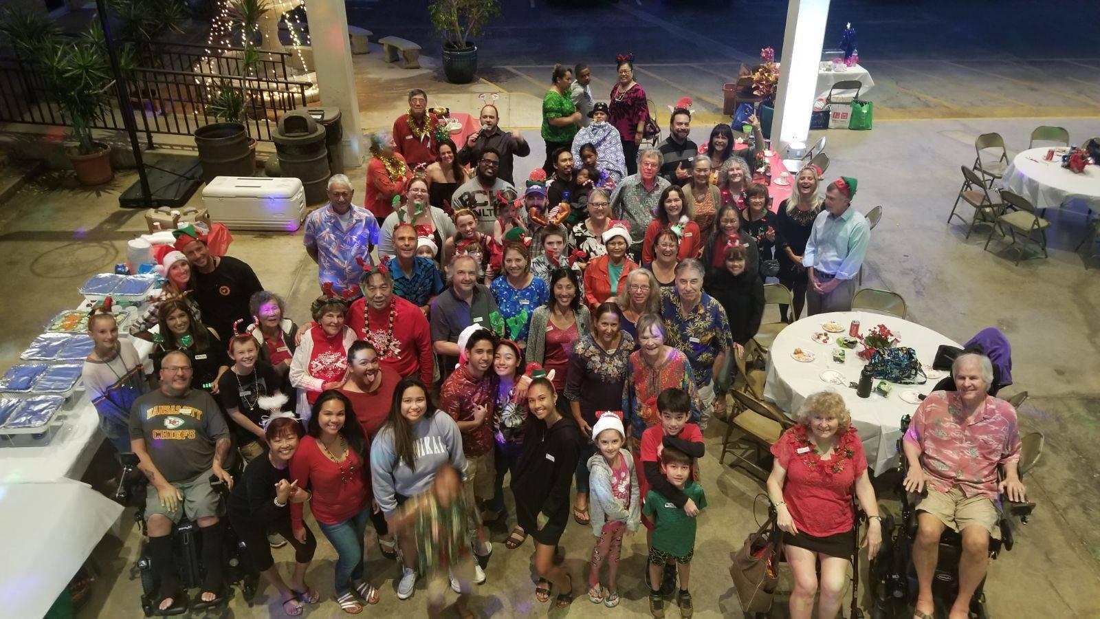 Santa Drops In On Als Munity Holiday Party Oahu Unique Birthday Ideas